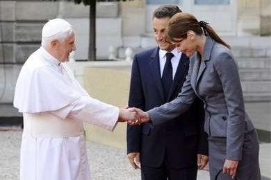First Ladies: Carla Bruni ha incontrato il Papa