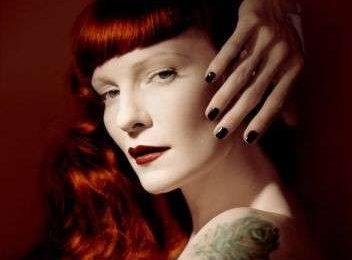 Colore per capelli: tintura rosso