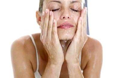 Viso: i detergenti per la pelle grassa