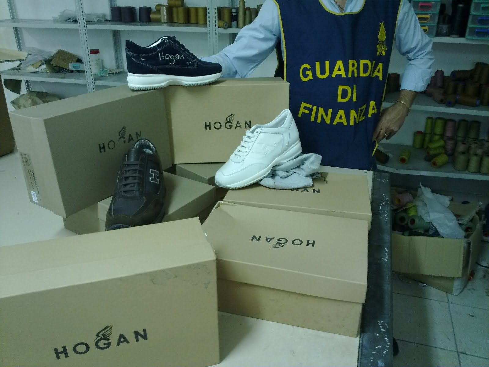 Scarpe Hogan contraffatte
