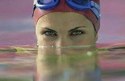 Fisico perfetto con il nuoto