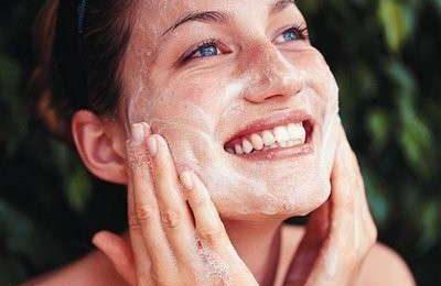 Scrub: per una pelle liscia e luminosa