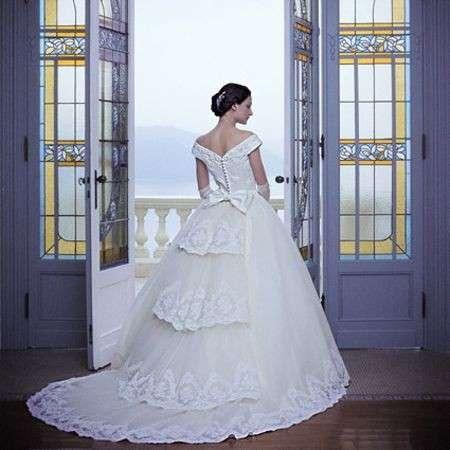 3717615c6127 Abiti da sposa  quale tessuto scegliere
