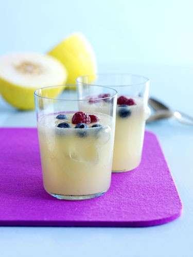 Ricette estive: frappè di melone e lamponi