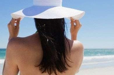 Capelli: come prendersene cura sotto il sole
