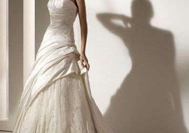 Abiti da sposa 2010: collezione Pronovias
