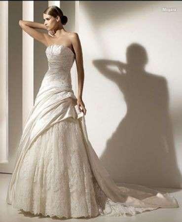c8b67cd306ea Abiti da sposa 2010  collezione Pronovias