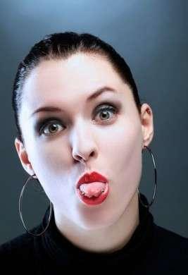 Piercing alla lingua: pericoloso da morire [FOTO]