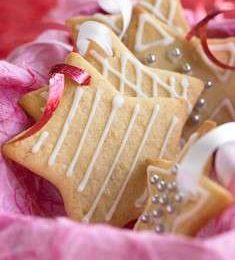 Ricette di natale: biscotti a stelline per l'albero