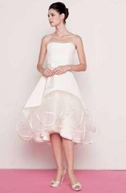 Abiti da sposa 2010: tendenze, stili e modelli