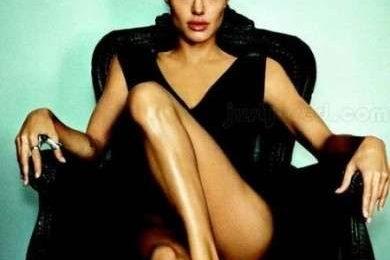 Angelina Jolie: la fedeltà non è essenziale in una coppia