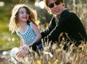Katie Holmes: Tom Cruise le offre soldi per il secondo figlio