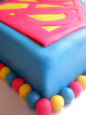 torta superman lato