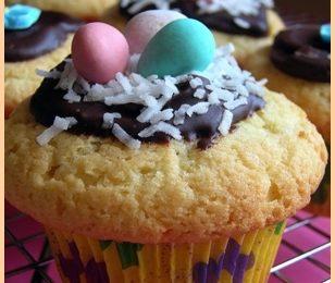 Ricette di Pasqua: muffin con ovetti al cioccolato