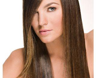Come avere capelli lisci perfetti: acconciatura e lavaggio