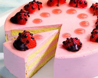 Ricette Festa della mamma: torta gelato alle fragole