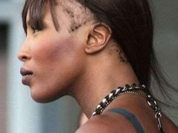 Naomi Campbell è quasi calva