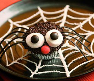 Ricette Halloween: come fare i muffin a forma di ragno