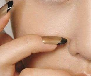 Nail art inverno 2010- 2010: tendenze French Manicure