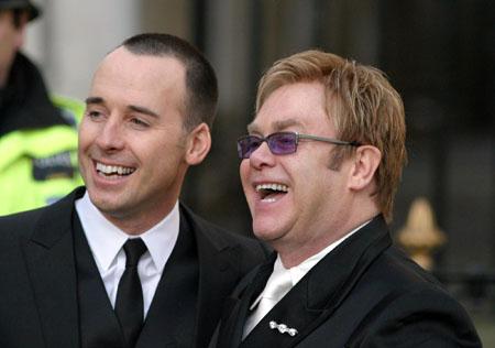 Elton John papà: è arrivato Zachary