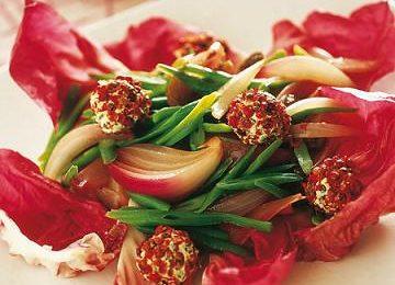 Ricette San Valentino: insalata di radicchio e formaggio