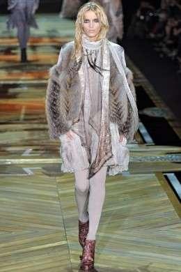 sale retailer d7f03 66181 Milano Moda Donna A/I 2011-12: Roberto Cavalli | Pourfemme
