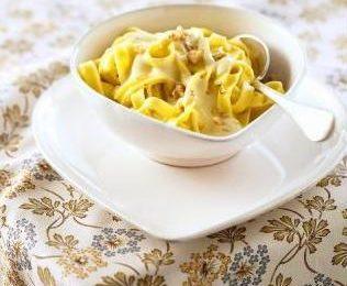 Ricette primi piatti: pasta con noci e gorgonzola