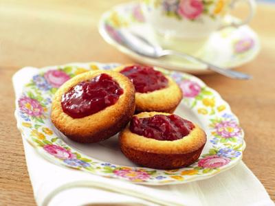Will e Kate e la cucina inglese: tortine con marmellata di fragole ...