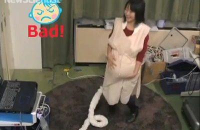 In Giappone hanno creato una speciale tuta che simula la gravidanza in tutto e per tutto…