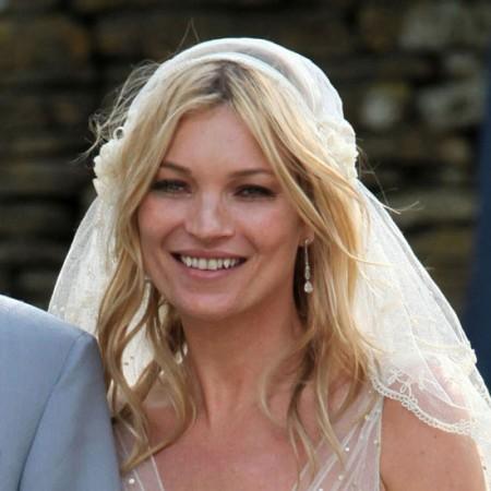 Il trucco e l'acconciatura di Kate Moss al matrimonio