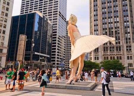 Forever Marilyn, la statua gigante con gonna svolazzante