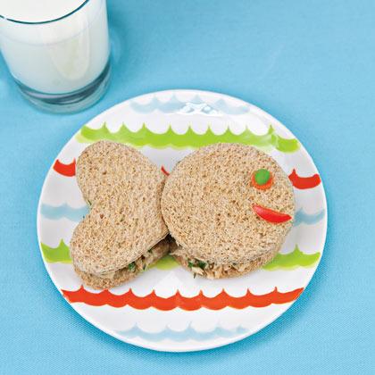 Il sandwich al tonno per i bambini a forma di pesce!