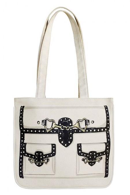 La borsa di Moschino per la Vogue Fashion's night out 2011