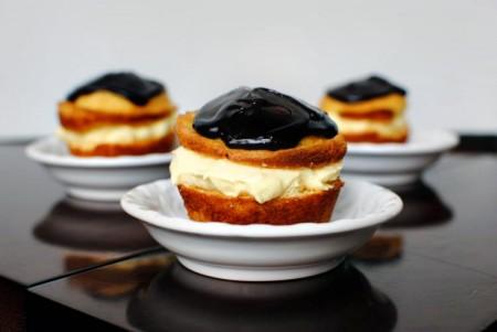Cupcakes farcite con crema pasticcera