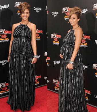 Jessica Alba incinta, bellissima in Dolce & Gabbana