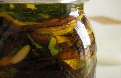 Tutte le ricette tipiche per preparare le melanzane sott'olio