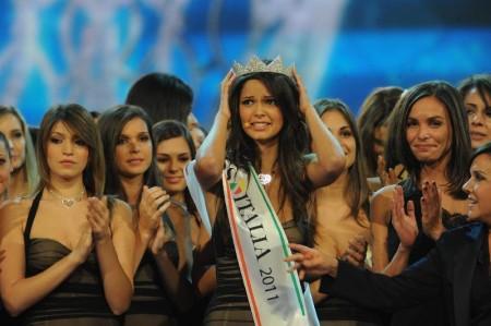 Miss Italia 2011 è Stefania Bivone, già miss Calabria. Ma a chi interessa?