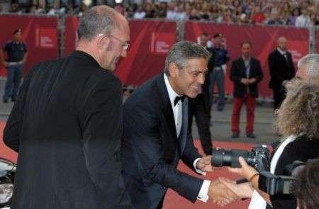 Inaugurato il Festival del Cinema di Venezia 2011, diamo un'occhiata a divi e divine sul red carpet!