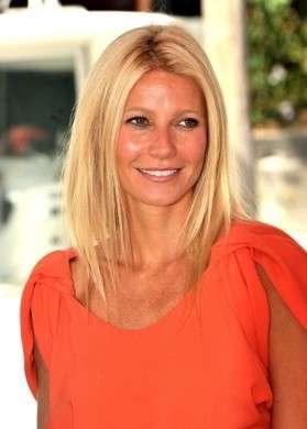 Gwyneth Paltrow in Prada è una luminosa visione al Festival del Cinema di Venezia 2011