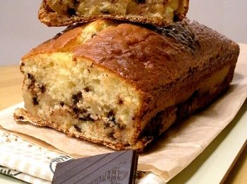 Colazione perfetta con il plumcake con banane e cioccolato
