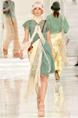 Dolcezza e romanticismo per Ralph Lauren alla New York Fashion Week P/E 2012