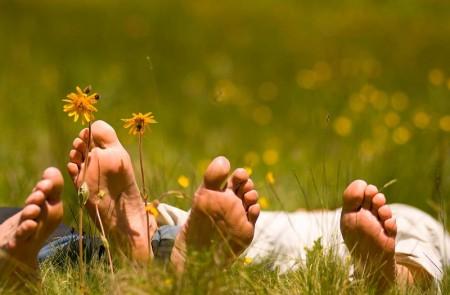 Ballare, dormire, sorridere e avere tanti amici: la ricetta per il cuore sano!