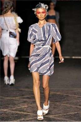 La collezione Vivienne Westwood Red Label P/E 2012 alla London Fashion Week: le foto