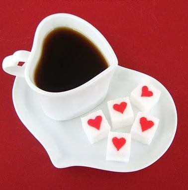 Zollette di zucchero personalizzate, ecco come farle con i cuoricini