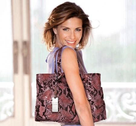 """Bella e """"buona"""", è la Goodie Bag, versione 2011, di Coccinelle. La borsa etica per aiutare Haiti"""