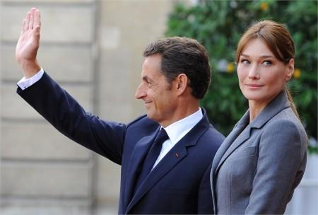 La piccola Sarkozy si chiama Giulia, a svelare il mistero è la mamma