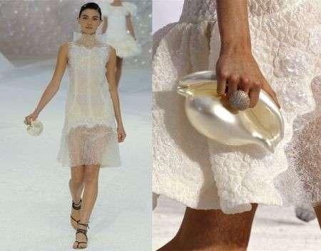 """La bellissima sfilata """"marina"""" di Chanel alla Paris Fashion Week P/E 2012"""