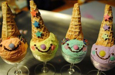 Coppette di gelato per party tra bambini