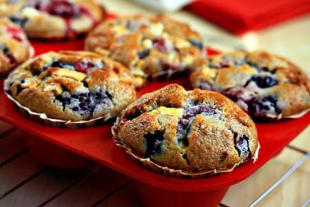 Muffin ai frutti di bosco, colazione perfetta e golosa