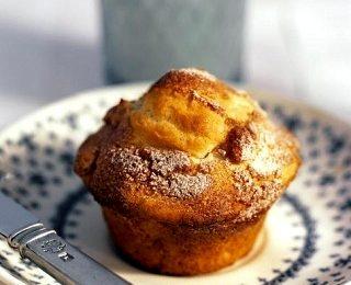 Muffin con pere e fiocchi d'avena